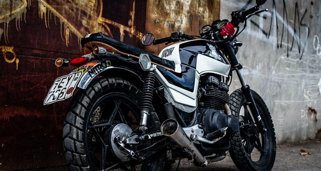Peut on assurer une moto sans avoir le permis ?